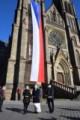 vlajka na Nám. Míru v Praze